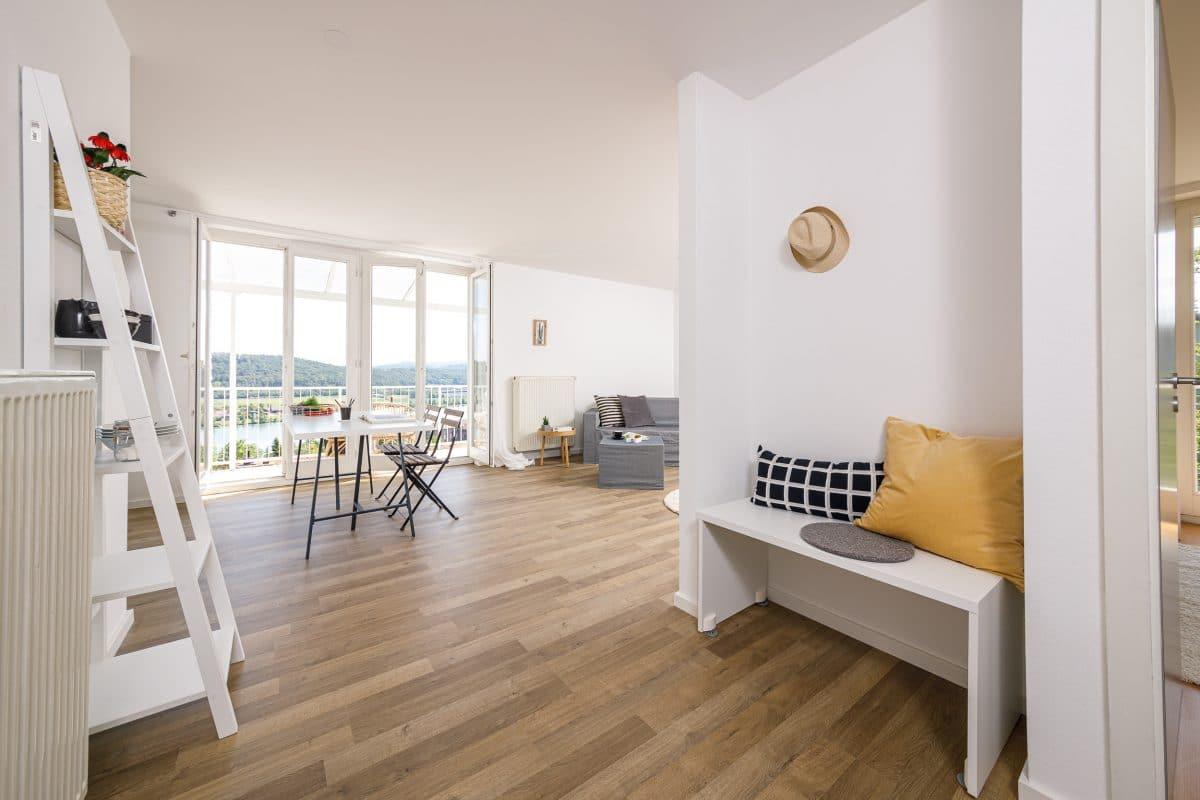 Home-Staging-WOHNEN-IST-Fix-Flip-Flur-Wohnzimmer